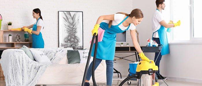 Cara Menyewa Karyawan Pembersihan Pertama Anda