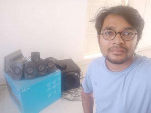 selfie with speakers